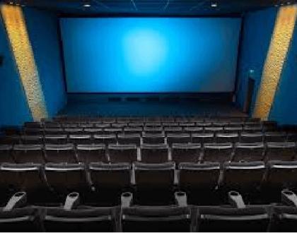 O retorno do cinema no sistema drive-in