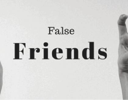 Falsas simetrias – os falsos cognatos na língua inglesa